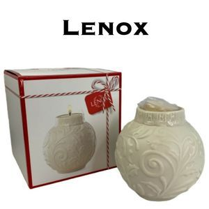 Lenox Ornamental Glow Holly Votive with Tealight